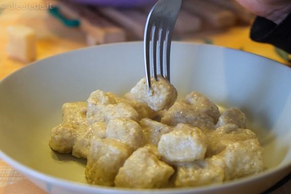 Gnocchi di patate in salsa di noci