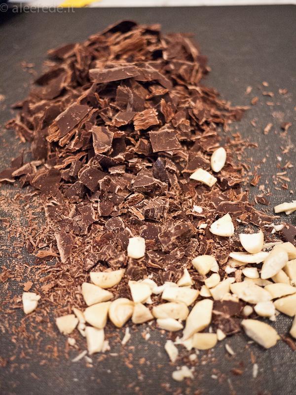 cioccolata mandorle castagne torta