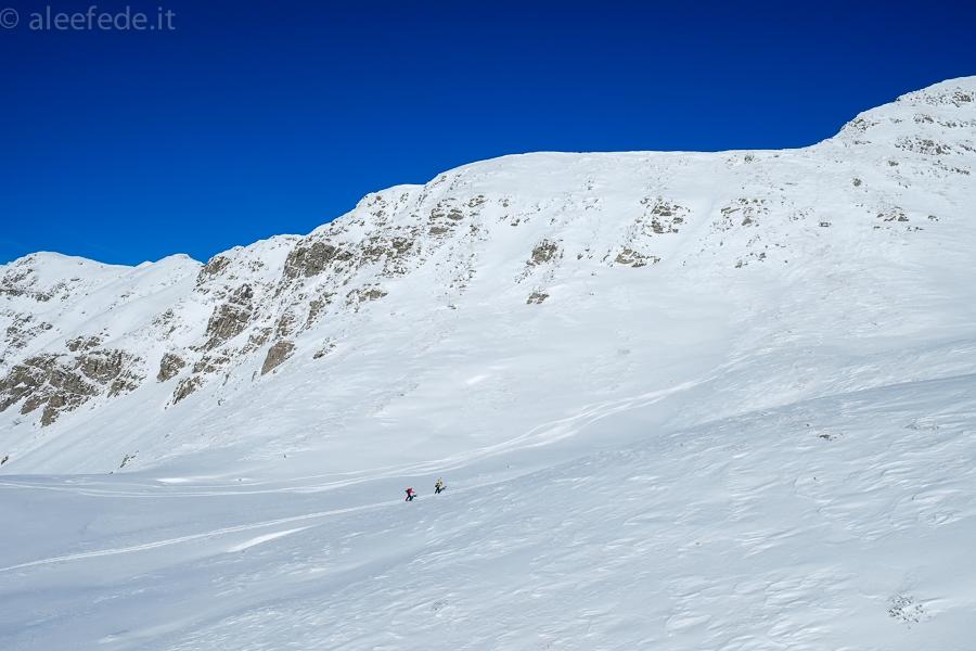 scialpinisti libro aperto