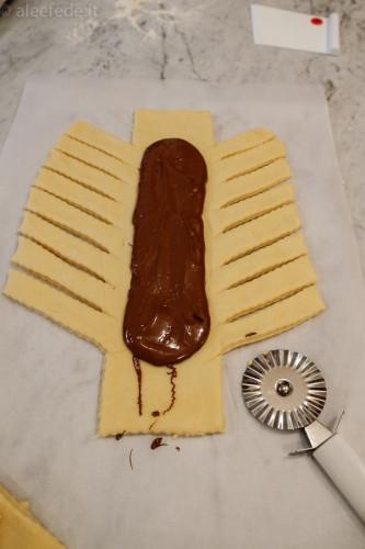 preparazione treccia nutella